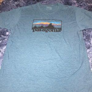 Men's Patagonia slim fit t shirt
